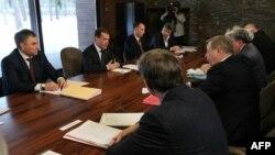 Президент Медведев на встрече с лидерами несистемной оппозиции