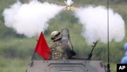 Япония. Военные учения. Архивное фото.