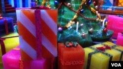 """冰雕作品""""圣诞礼物"""""""
