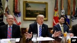 2017年3月1日,美国总统川普在白宫罗斯福厅对国会两院领导人讲话。