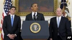 백악관 비서실장 교체를 밝히는 바락 오바마 대통령(가운데), 윌리엄 데일리 백악관 비서실장(우), 제이콥 류 예산국장