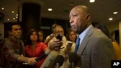 El alcalde de Houston, Sylvester Turner, habló con los medios de comunicación en Cuba sobre la exploración de oportunidades de negocios en energía, salud, turismo y deportes.