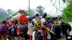在缅甸政府军与克伦族游击队作战期间,大约有4千缅甸克伦族人逃离家园,进入泰国。(2009年6月9日)