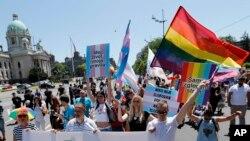 """Parada """"Ponos Srbije"""" pod parolom """"Borba još uvek traje - pridruži se"""" u Beogradu, 29. juna 2019."""