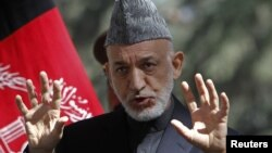 Presiden Afghanistan Hamid Karzai menyerukan agar rakyat Afghanistan dan Pakistan melakukan koordinasi melawan terorisme dan ekstremisme (foto: dok).