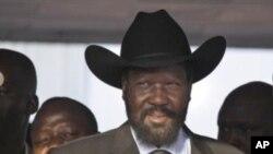 ປະທານາທິບໍດີ Salva Kiir ແຫ່ງເຂດຊູດານໃຕ້ ປ່ອນບັດໃນການລົງປະຊາມະຕິ, ວັນທີ 9 ມັງກອນ 2010.