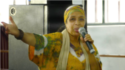 """Nós só seremos grandes se formos humildes,"""" diz a escritora são-tomense Olinda Beja - 13:57"""