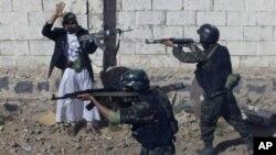 也门政府的反恐部队在进行演习