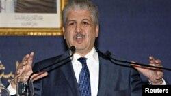 Thủ tướng Abdelmalek Sellal của Algeria nói chuyện tại cuộc họp báo về vụ khủng hoảng con tin, 21/1/13