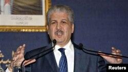 ນາຍົກລັດຖະມົນຕີ ອາລຈີເຣຍ ທ່ານ Abdelmalek Sellal ກ່າວໃນ ກອງປະຊຸມຖະແຫຼງຂ່າວ ທີ່ອາລຈີເຣຍ.