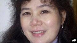 중국 반부패 운동가 류핑이 지난 2010년 1월 촬영한 사진. 류핑과 다른 2명의 활동가들은 19일 장시성 법원에서 징역 6년에서 6년 6개월 형을 선고받았다.
