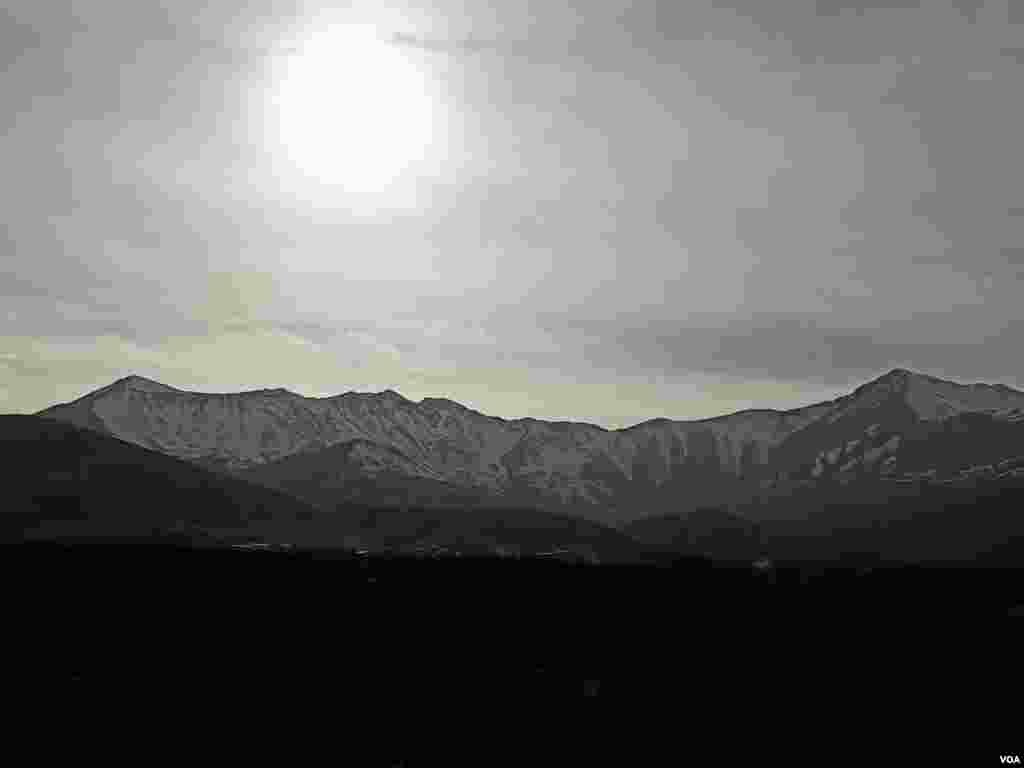 قله چال قوچ نهاوند، روستای ورازانه در استان همدان عکس از یاسین (ارسالی شما)