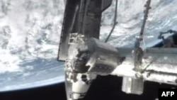 Стыковка многоцелевого модуля Rafaello к МКС