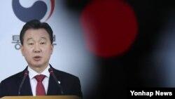말레이시아 경찰청이 김정남 피살 사건 수사결과 발표를 한 지난 19일 서울 세종로 정부서울청사 합동브리핑룸에서 정준희 한국 통일부 대변인이 관련 브리핑을 하고 있다.