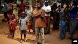Une famille chrétienne vie dans un camp de réfugiés à Kaga-Bandoro, Centrafrique, le 16 février 2016.