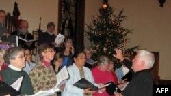 Kori i komunitetit këndon këngë Dixieland për Krishtlindje