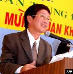 Nhà văn Trần Trung Đạo