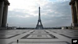 新冠疫情下的巴黎夏乐宫 (2020年3月18日)