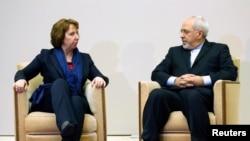 Nhà ngoại giao hàng đầu của Liên hiệp Âu Châu Catherine Ashton và Bộ trưởng Ngoại giao Iran Mohammad Javad Zarif tại Trụ sở Liên hiệp Châu Âu tại Geneva.