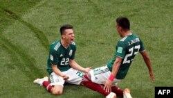 سرور بازیکن شماره ۲۲ مکسیکو که تنها گول تیمش را در برابر آلمان به ثمر رسانید.