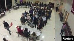 На избирательном участке в городе Пайнвилл в штате Северная Каролина. 6 ноября 2012 г.