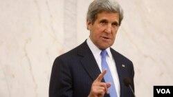ທ່ານ John Kerry ໄປເຂດຕາເວັນອອກກາງ ໃນມື້ນີ້ ເພື່ອເຂົ້າຮ່ວມກອງປະຊຸມສໍາຄັນຫລາຍໆບັ້ນ ໃນອາທິດນີ້ ກ່ຽວກັບການດໍາເນີນຄວາມພະຍາຍາມ ເພື່ອຈັດກອງປະຊຸມສັນຕິພາບ ກ່ຽວກັບຊີເຣຍ.