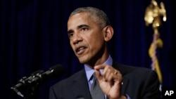 바락 오바마 미국 대통령이 아세안 정상회의 참석차 방문한 라오스 비엔티안에서 8일 기자회견을 갖고, 미국의 아시아 정책에 관해 발언하고 있다.
