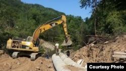 """Arhiva - Radovi na izgradnji mini hidroelektrane (Foto: Udruženje """"Odbranimo reke Stare planine"""", ustupio Milan Tokić)"""