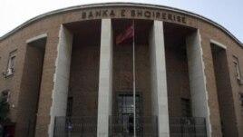 Arrestohet zyrtari i dhjetë për vjedhjen e Bankës së Shqipërisë