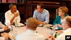 Predsednik Barak Obama sa liderima G8 na samitu u Severnoj Irskoj