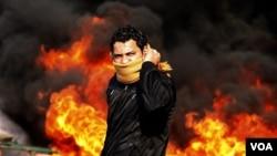 El viernes 17 estaciones de policía fueron incendiadas en la capital y la gente se apoderó de armas de fuego y municiones.