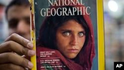 شربت گل ۴۶ ساله در حالی در پاکستان در زندان به سر میبرد که مدت قبل دختر بزرگترش را از دست دادهاست