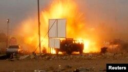 4月25 日,伊拉克舉行議會選舉的前發生連串汽車爆炸事件。