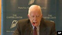 Jimmy Carter diz que a religião está demasiadamente presente nas eleições primárias republicanas a decorrer actualmente nos Estados do Sul