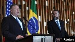 Госсекретарь США Майк Помпео и министр иностранных дел Бразилии Эрнесто Араужо. Бразилиа. 2 января 2018 г.