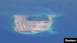 Philippines lên tiếng phản đối việc xây dựng trung tâm cứu hộ của Trung Quốc trên Đá Chữ Thập (Fiery Cross Reef).
