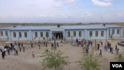 نمای یک مدرسه دینی در اچین