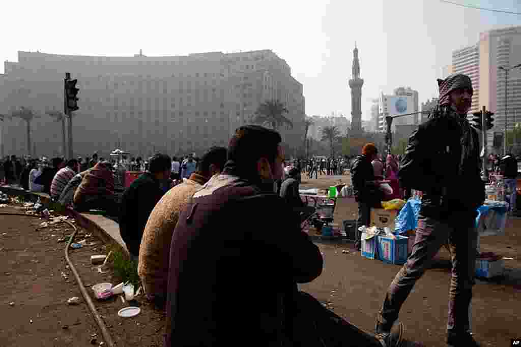 VOA - Protesters in Tahrir Square called a million person march on Tuesday, November 22, 2011. (Y. Leeks)