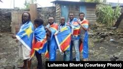 Les militants de la Lucha posent pour la photo après leur sortie de prison, à Goma, le 26 juillet 2016