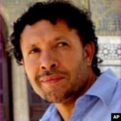 Larbi Sadiki believes that the self-immolation of Bouazizi was an event that could trigger bigger changes in Tunesia