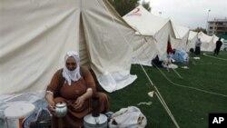 지진 피해자들을 위한 터키 에르시스의 난민촌