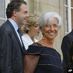 Christine Lagarde, alors ministres de Finances, à l'issue d'un conseil des ministres à Paris