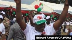 Presiden Burundi, Pierre Nkurunziza melakukan kampanye dalam upayanya kembali menjadi Presiden untuk masa jabatan yang ketiga kali (25/6).