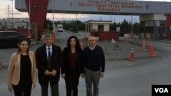 Silivri Cezaevi'ni ziyaret eden CHP Milletvekilleri Şafak Pavey, Mustafa Balbay, Candan Yüceer ve Utku Çakırözer