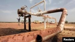 Le champ de pétrole d'El Nar, au Soudan du Sud, bombardé par les Soudanais le 3 mars 2012