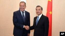 中国外长王毅与俄罗斯外长拉夫罗夫在东盟会议期间会晤(2018年8月2号)