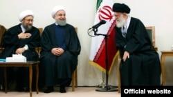 آقای روحانی در چهارسال گذشته زیر فشار نهادهای زیر نظر رهبر بوده است.