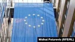 Arhiv - Zastava Evropske unije unutar zgrade Evropske delegacije EU u Sarajevu