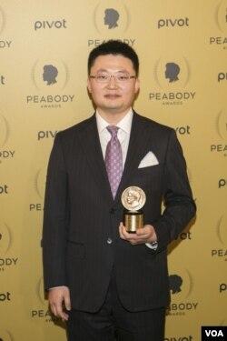 加拿大华裔导演李云翔(Leon Lee)2015年获得第74届美国广播电视文化成就奖(Benjamin Chasteen)