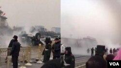 天安门金水桥前2月3日早发生翻车事件(苹果日报图片)